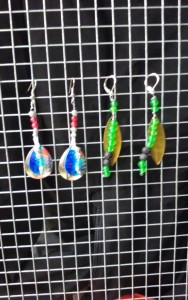 Dec.09 Class Fee $20.00 2 set of earrring and a painted table sign!